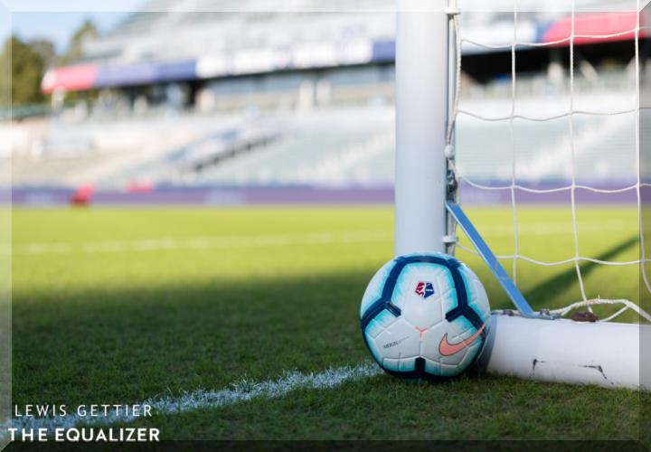 Apa Keuntungan Dan Kerugian Bermain Judi Bola Online